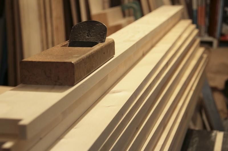 ハウスヴィジョンに使う本棚の木材